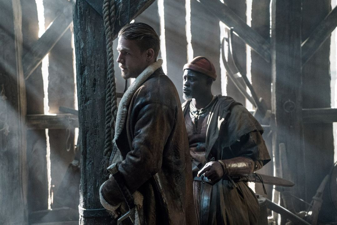 King Arthur: Legend Of The Sword : Bild Charlie Hunnam, Djimon Hounsou